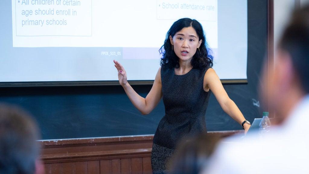 Image of Professor Ning Leng teaching students