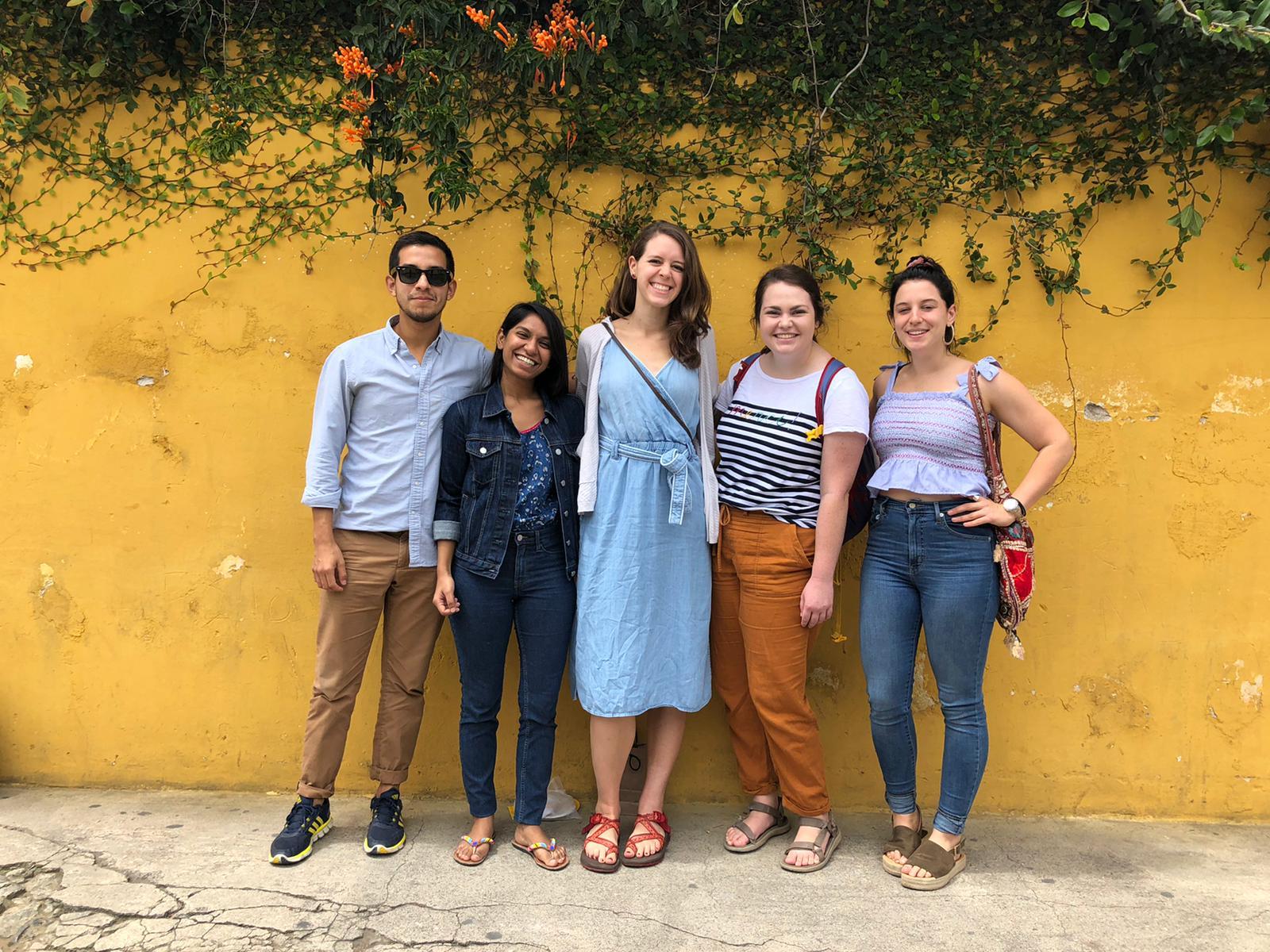 MPiP students visit La Alianza organization.