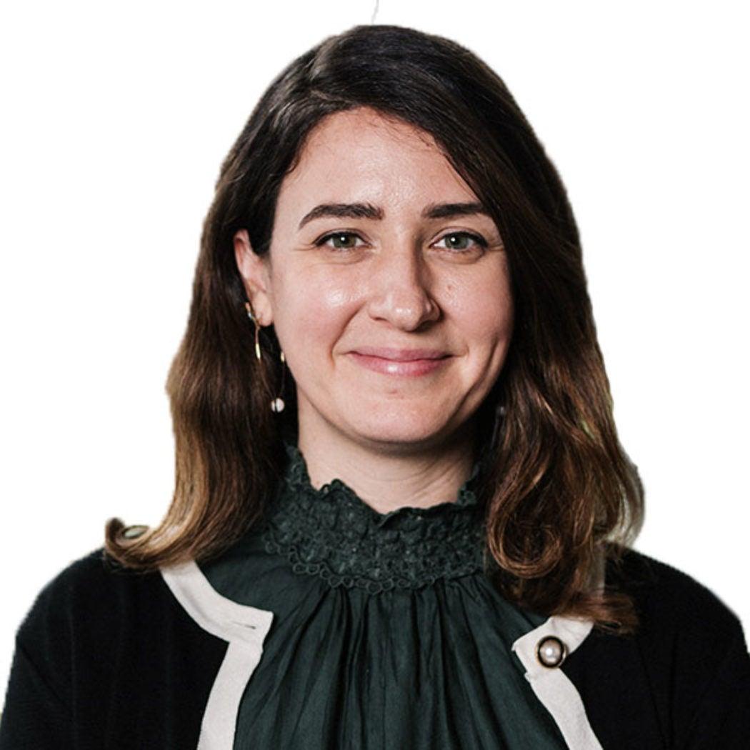 Headshot of Elena Damaskos