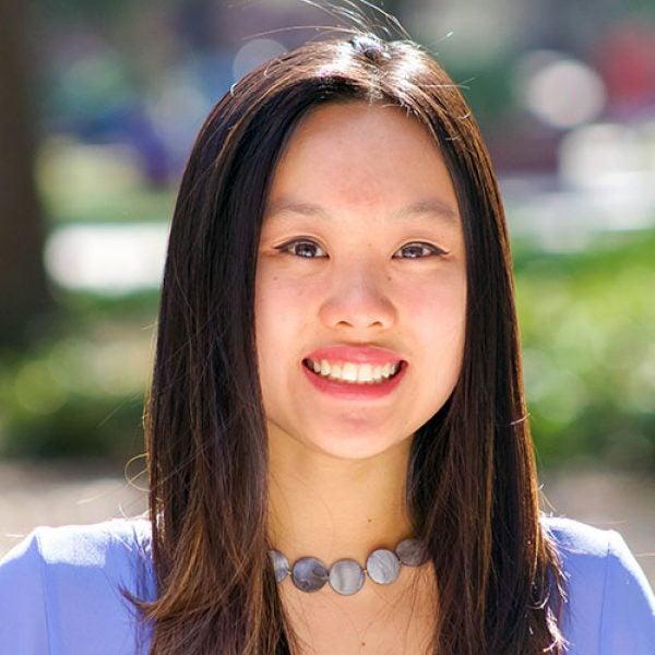 Gloria Li - Headshot