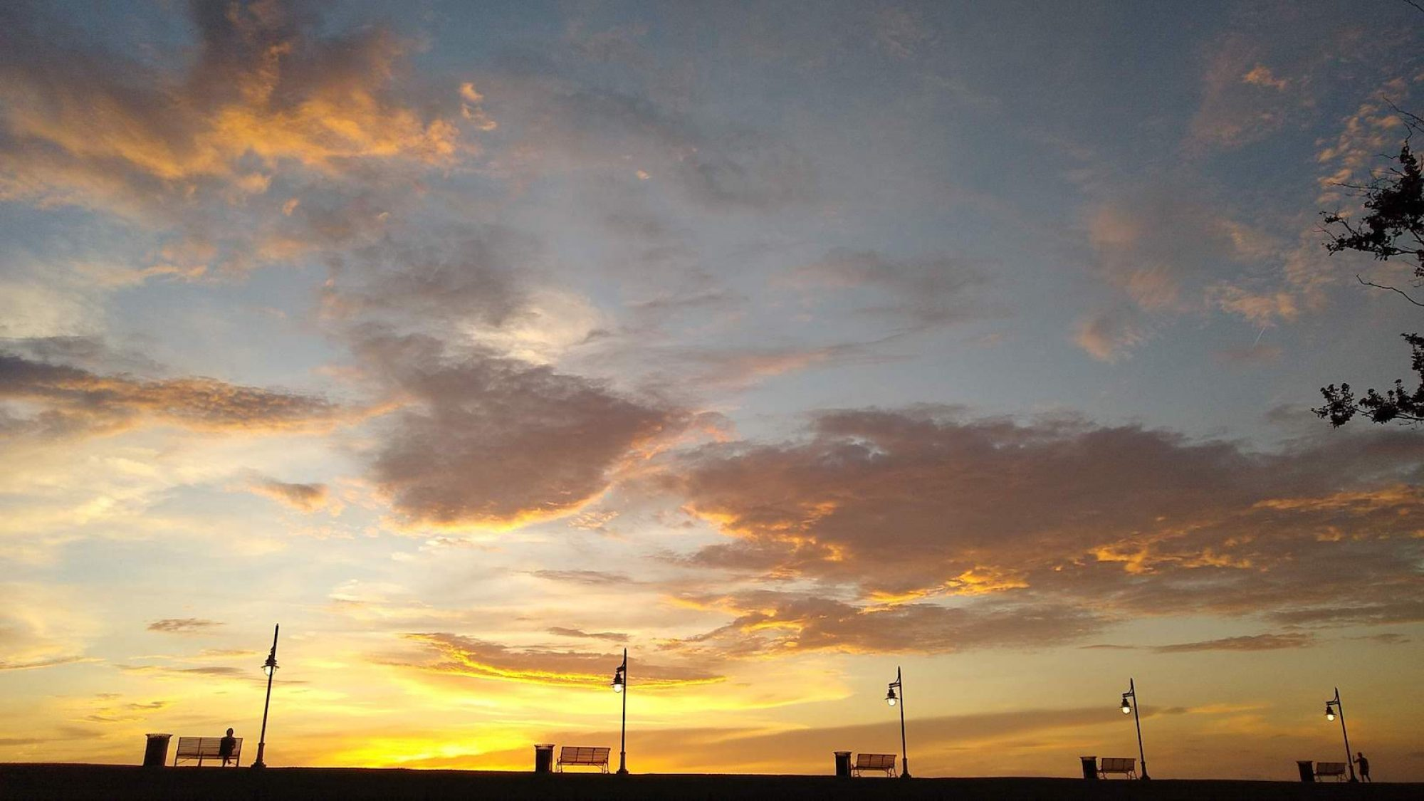 Sunset on the Baton Rouge River Walk